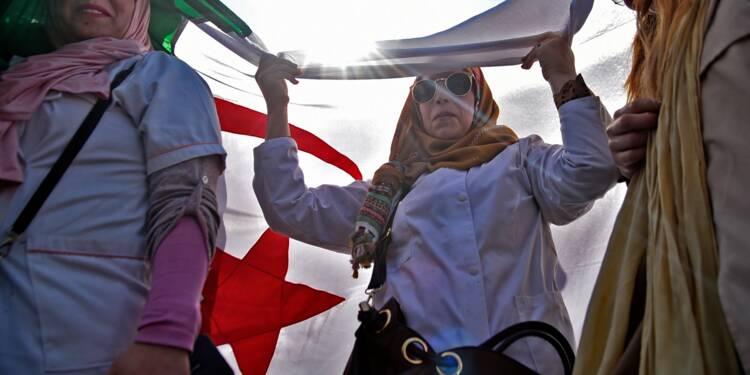 Algérie: enseignants et élèves prennent le relais contre Bouteflika