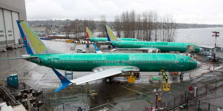 Le 737 Max progressivement interdit de voler, Boeing poursuit sa chute en bourse