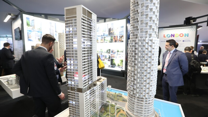A travers le monde, promoteurs et politiques face à l'épouvantail de la gentrification