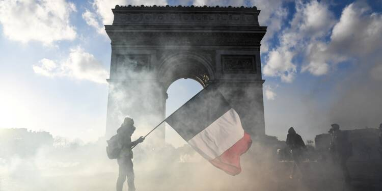 """Acte 18 des """"gilets jaunes"""": quand Paris bascule de nouveau dans la violence"""