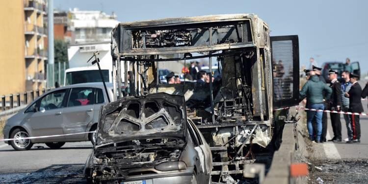 La colère monte en Italie après le détournement d'un bus scolaire
