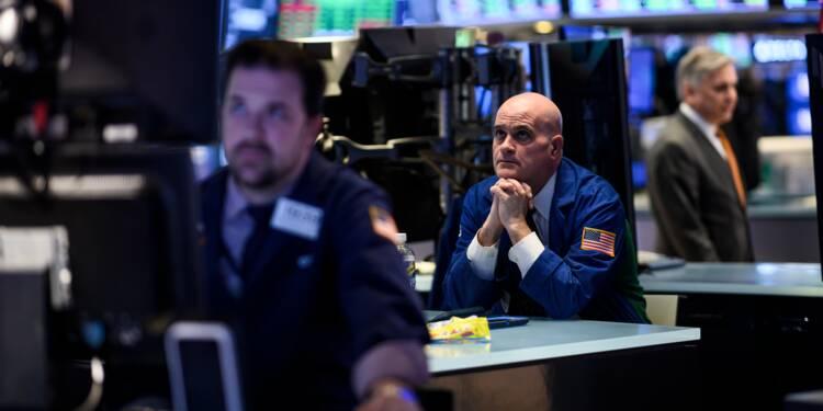 Wall Street clôture en chute, tourmentée par l'économie mondiale