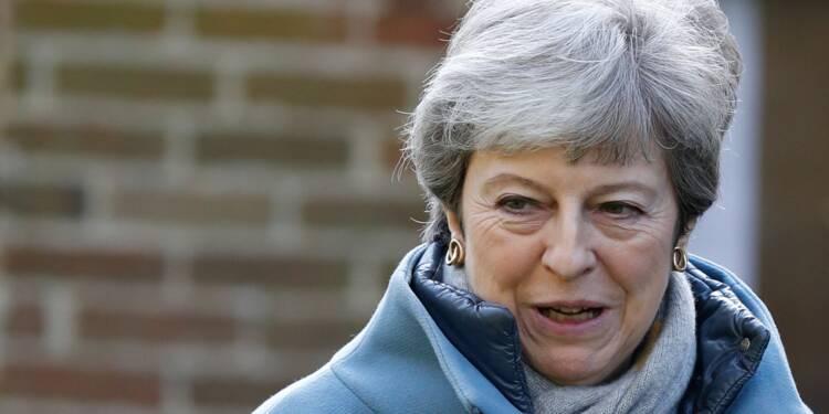 Brexit : May mène d'intenses consultations avant une semaine cruciale