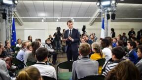 Grand débat: Macron à la rencontre des enfants à Angers, manifestations dans le centre-ville