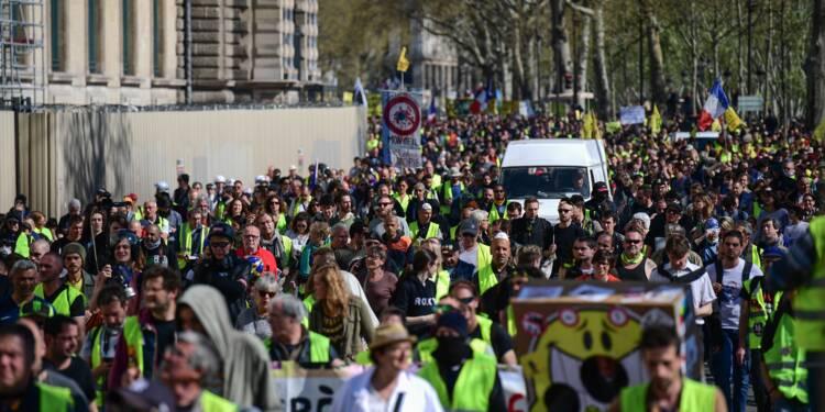 """Vingtième samedi dans la rue pour les """"gilets jaunes"""" hostiles à Macron"""