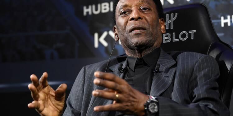 Pelé hospitalisé à Paris