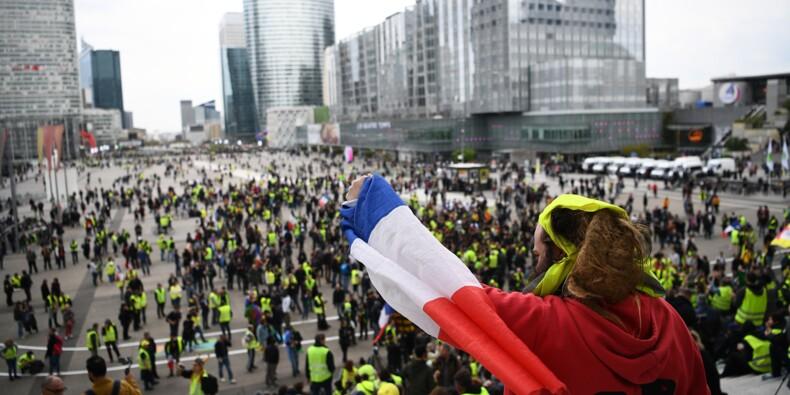 """Les """"gilets jaunes"""" enregistrent leur plus faible mobilisation pour l'""""acte 21"""""""