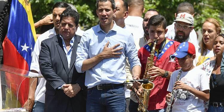 """Venezuela: Guaido déclare lancer la """"phase définitive"""" contre Maduro"""