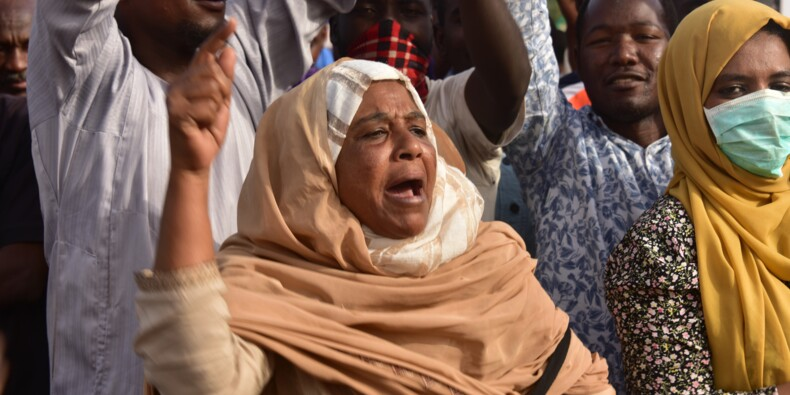 """Soudan: le mouvement de contestation veut un gouvernement civil """"immédiatement"""""""