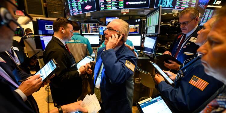 Wall Street, sous la menace de nouveaux tarifs douaniers, termine en baisse