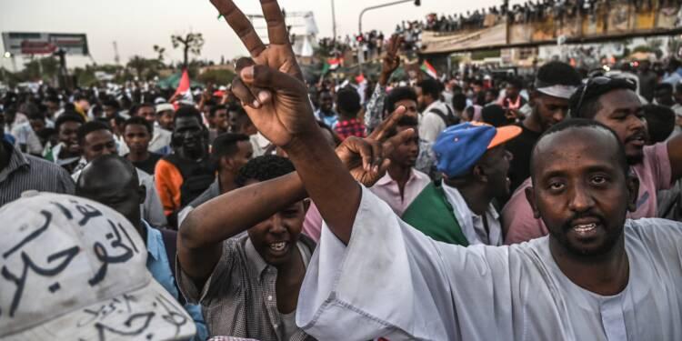 Soudan: la contestation suspend les discussions avec l'armée, veut intensifier le mouvement