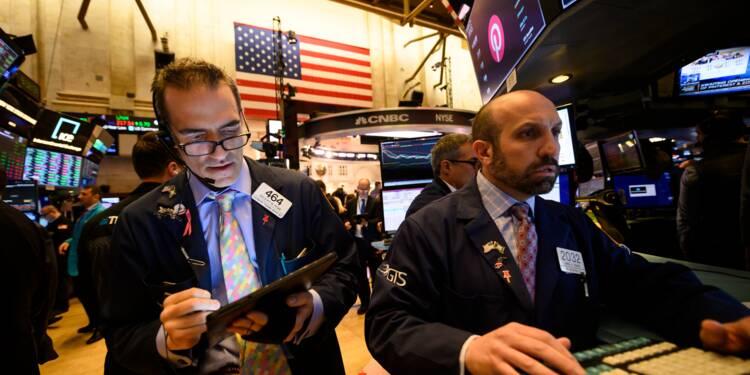 Wall Street s'enfonce dans le rouge après des résultats contrastés