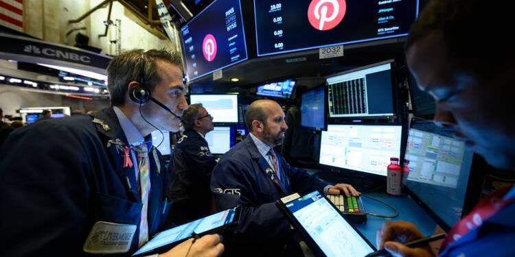 Wall Street ouvre en baisse après des résultats en demi-teinte