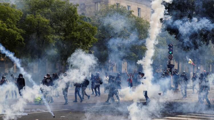 "Un 1er mai tendu à Paris, mais pas l'""apocalypse"""