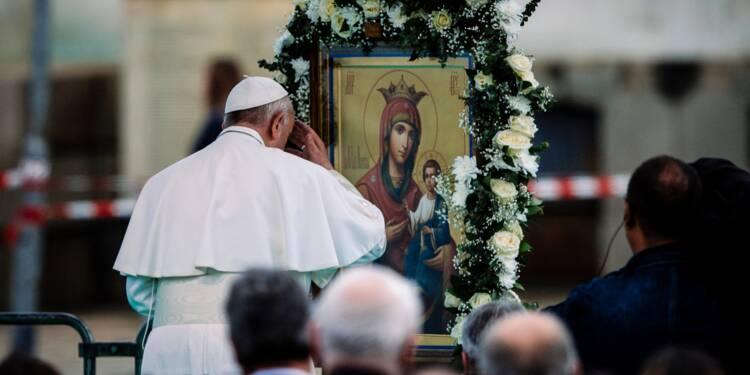 Le pape en Bulgarie s'alarme du dépeuplement du pays