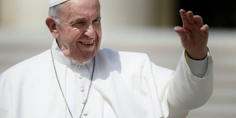 Le pape oblige le clergé à signaler les agressions sexuelles à l'Église
