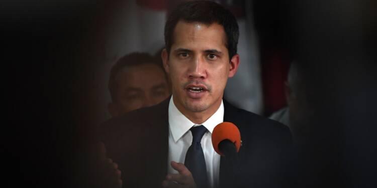"""Venezuela: l'opposant Guaido accuse le pouvoir de vouloir """"bâillonner"""" le Parlement"""