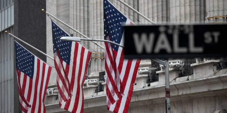 Wall Street ouvre en baisse, inquiète au sujet de la croissance
