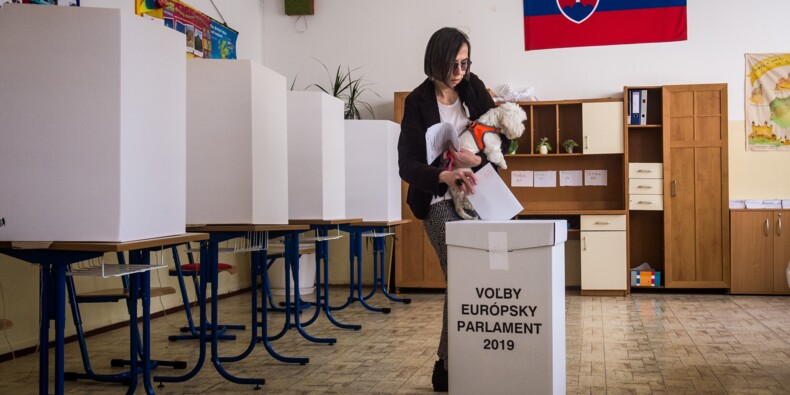 Les Européens aux urnes, l'extrême droite veut marquer le coup