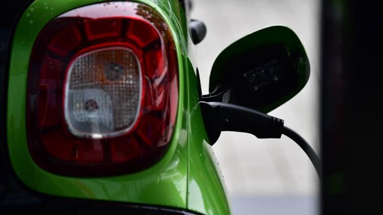 Auto : le boom des voitures électriques va multiplier les fusions entre constructeurs