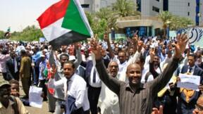 Soudan: les militaires tentent de disperser le sit-in par la force (contestation)