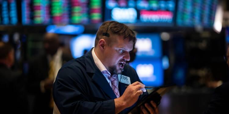 Wall Street chute à l'ouverture, inquiète des taxes américaines contre le Mexique