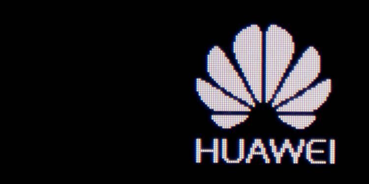 """Huawei """"trop proche"""" du gouvernement chinois pour être fiable (chef du Pentagone)"""