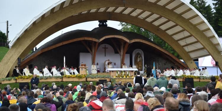 En Roumanie multiethnique, le pape fait l'éloge de la diversité