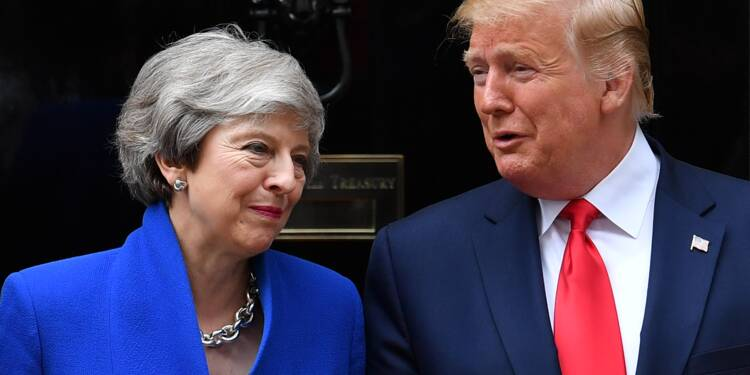 """Trump fait miroiter à Londres un accord """"extraordinaire"""" après le Brexit"""