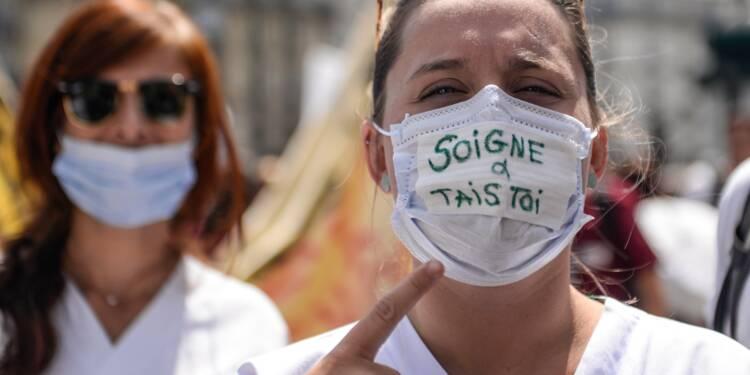 """Urgences: manifestation à Paris, Buzyn propose une """"stratégie d'ensemble"""""""