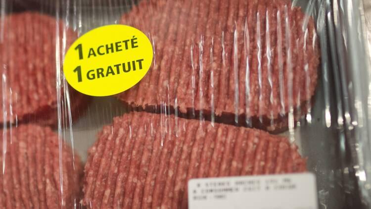 Des steaks hachés frauduleux fournis à des associations caritatives