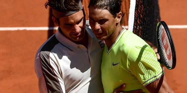 Roland-Garros: Federer emporté par Nadal et le vent, Djokovic et Thiem reprendront samedi