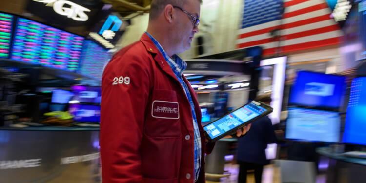 Wall Street recule légèrement, attentiste après une envolée