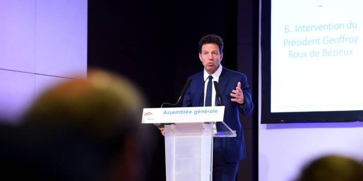 Medef: réforme adoptée, un succès pour Roux de Bézieux malgré une polémique sur le RN