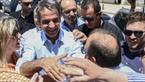 """Grèce: Mitsotakis bat la campagne: """"la priorité est de relancer l'économie"""""""