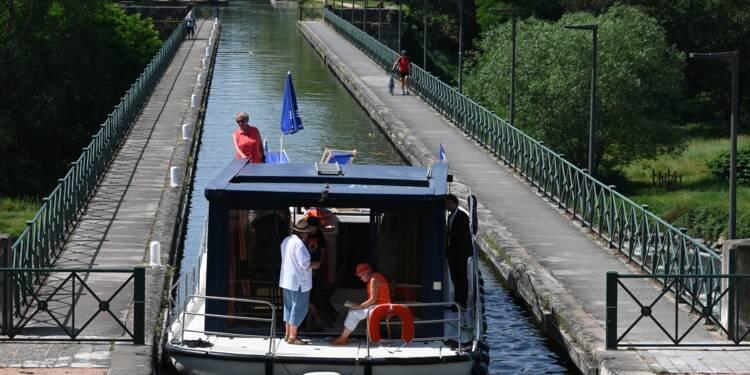 Des bateaux de plaisance bourguignons sur les canaux de France et d'Europe