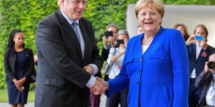 """Un accord sur le Brexit possible jusqu'au 31 octobre, pas seulement dans les """"30 jours"""" (Merkel)"""