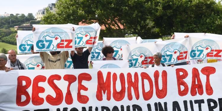 """Des responsables anti-G7 tentent une marche symbolique jusqu'à la """"zone rouge"""" de Biarritz"""