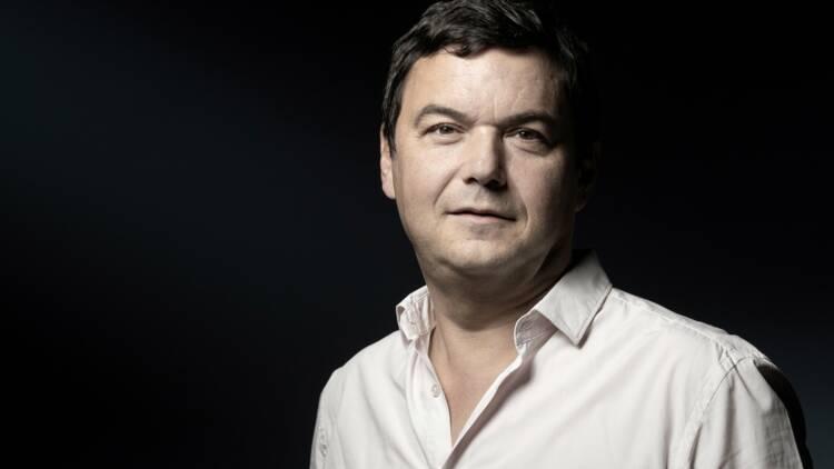 """Thomas Piketty appelle à """"dépasser l'hyper-capitalisme"""" et lutter contre les inégalités"""