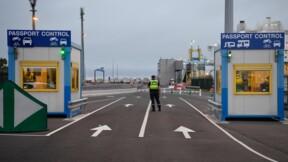 """Transit des camions: la France se dit """"prête"""" pour un Brexit sans accord"""