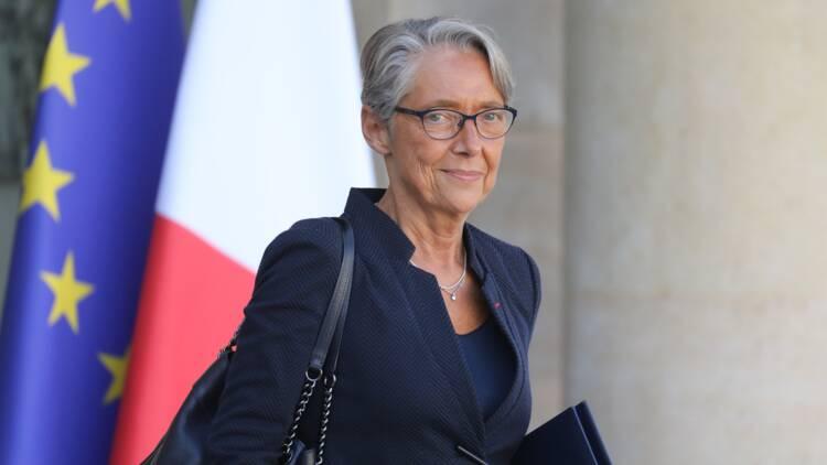 """Carburant: """"aucune raison"""" d'augmenter les prix à la pompe, selon Elisabeth Borne"""