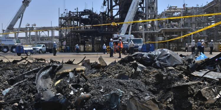 Arabie/attaques: scènes de destruction sur l'un des sites pétroliers touchés