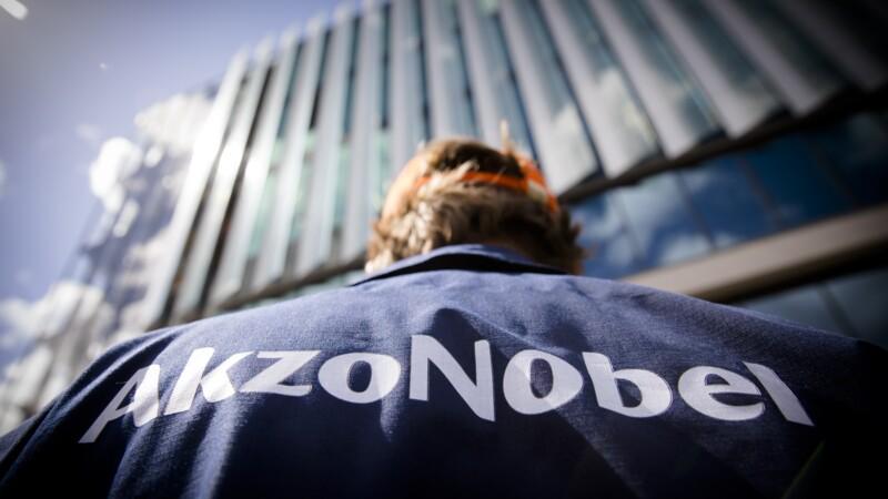 AkzoNobel veut créer avec l'américain Axalta un géant de la peinture
