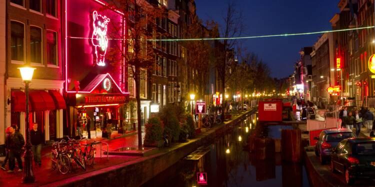 Amsterdam veut réguler l'afflux de touristes dans son fameux Quartier rouge
