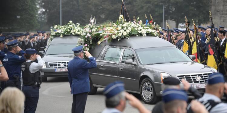 Liège: des centaines de policiers rendent hommage à leurs collègues assassinées