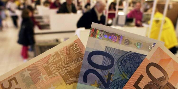 La prime au détriment du salaire? les syndicats critiquent le cadeau Macron