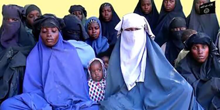 """Vidéo de Boko Haram: """"Nous ne reviendrons pas"""", affirment des lycéennes de Chibok"""