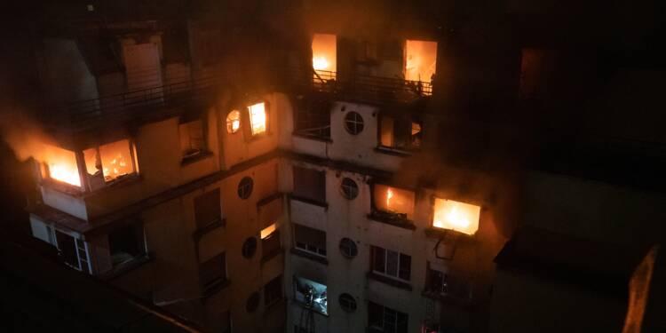 Incendie meurtrier à Paris: la suspecte mise en examen et écrouée
