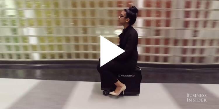 VIDEO: Cette valise motorisée vous permet de rouler à 3,5 km/h dans les couloirs des aéroports