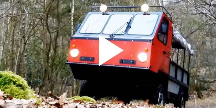 VIDEO: Ce camion en contre-plaqué s'assemble comme un meuble Ikea — cela prend 12 heures